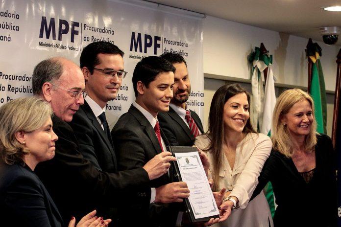 Grupo de procuradores anuncia o fim da Lava Jato de Curitiba