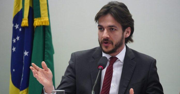Pedro Cunha Lima e Wilson Santiago votam para livrar Silveira da prisão