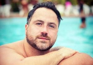 Aos 39 anos, humorista de 'A Praça é Nossa' morre por complicações da Covid