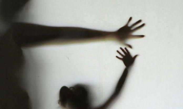 Mãe e filha são vítimas de estupro coletivo durante festa no interior