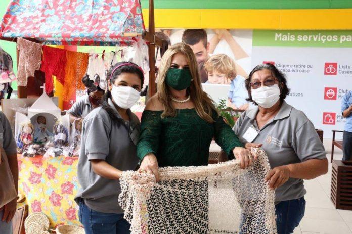 Primeira-dama visita local que abrigará loja do Programa do Artesanato