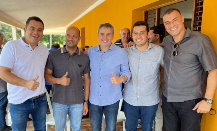 Efraim Filho recebe apoio dos prefeitos de Sapé, Sobrado e São José dos Ramos