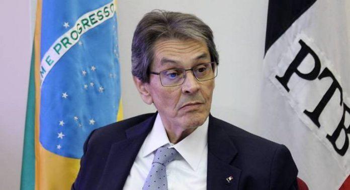 Crise na base: partido de Roberto Jefferson critica recuo de Bolsonaro