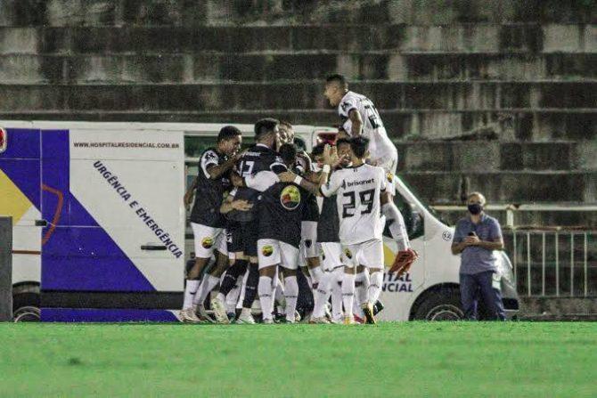 Botafogo-PB vence em casa, segue no G-4 e mantém acesso sonho do acesso