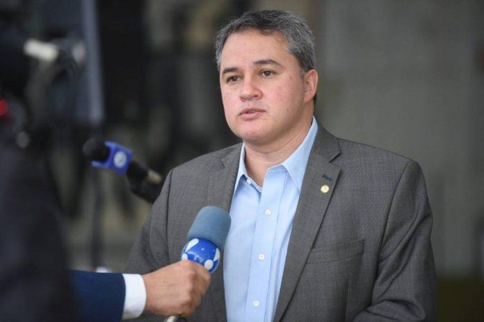 Efraim Filho leva a Paraíba para a premiação do Congresso em Foco