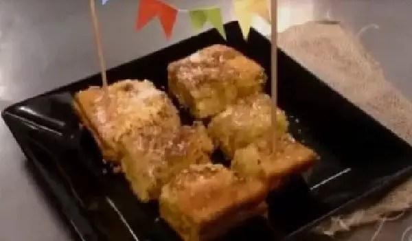 bolo-de-milho-com-cobertura-de-pacoca-de-amendoim-a