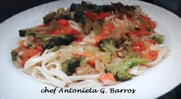 Tem Na Web - Macarrão receita com vegetais, aliche e molho pesto com II opções