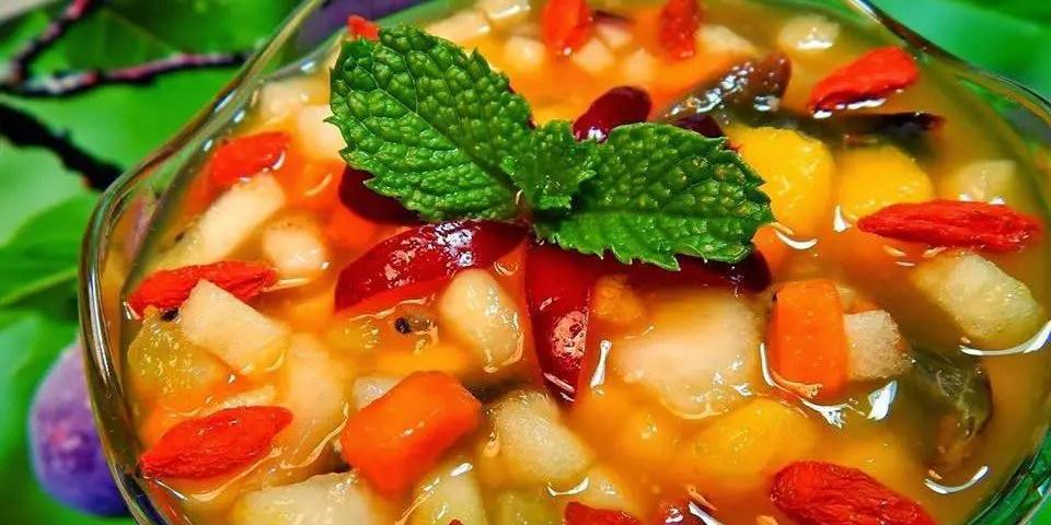 salada-de-frutas-com-calda-de-maracuja-e-laranja