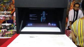 Caja de Proyeccion con Hatsune Miku en la Feria Internacional de las Culturas Amigas