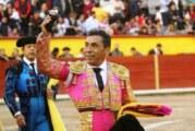"""Emotiva despedida del maestro """"Zotoluco"""" en Texcoco"""