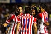 Chivas derrota a Dorados y amarra su lugar en la Liguilla