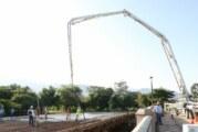 Colocan la base de concreto del puente de Fluvial Vallarta
