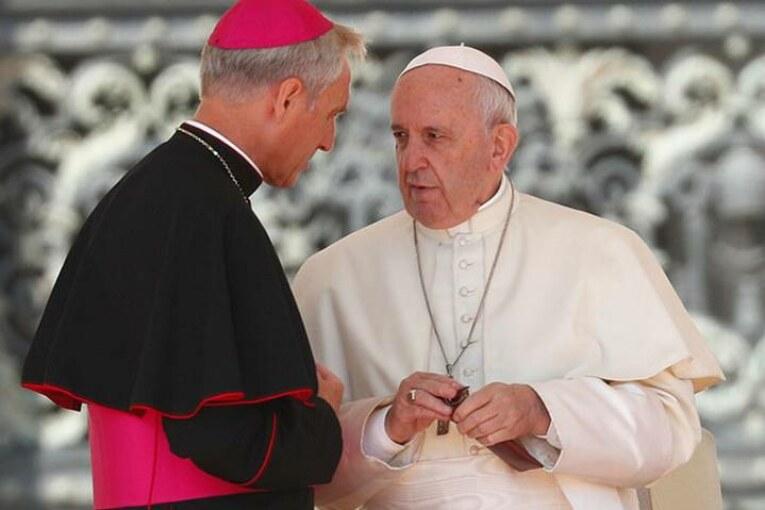 Vaticano aprueba investigación a obispo Michael Bransfield por acusaciones de abuso sexual
