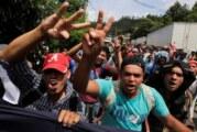 Arrestan a líder de caravana de migrantes que desató ira de Trump