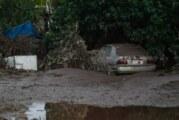 Comunidades en Nayarit aún están cubiertas de lodo por huracán Willa