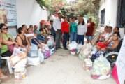 Entrega DIF despensas a familias de escasos recursos