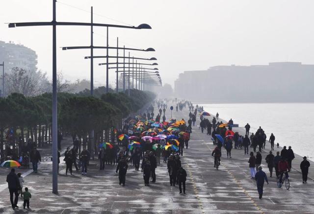 Colorful Umbrellas/ paralia_zo τον χειμώνα/ Χαρά Κρέτα