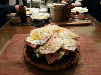 Tortilla y huevo frito para variar.