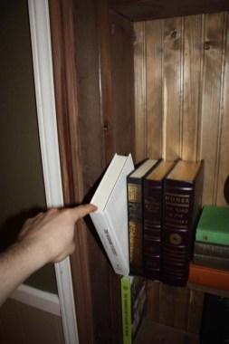 Faltaba la forma de abrir la puerta secreta.