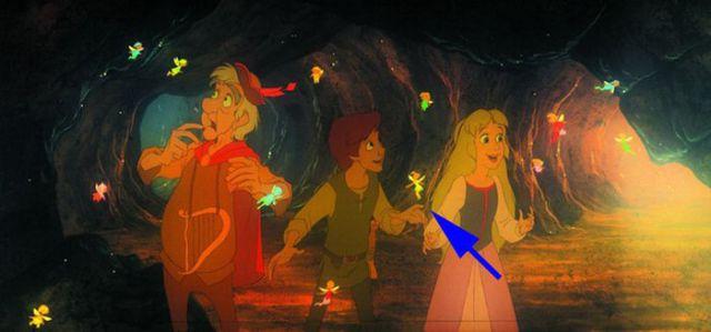 El Caldero Mágico - Cuando Taran, la princesa Eilonwy, y Fflewddur Fflam descubren las Hadas Campanita de Peter Pam aparece entre las hadas.
