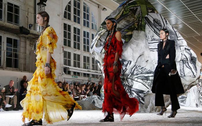 Mandatory Credit: Photo by WWD/REX/Shutterstock (9908165ap) Models on the catwalk Alexander McQueen show, Runway, Spring Summer 2019, Paris Fashion Week, France - 01 Oct 2018