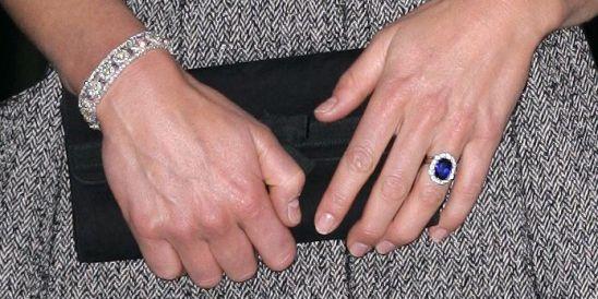 1461257094-kate-engagementring