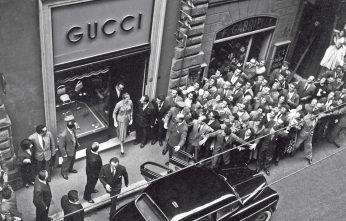 Rainier III (Rainier Louis Henri Maxence Bertrand Grimaldi), Prince of Monaco, and his wife, American actress and princess Grace Kelly, leaving the boutique Gucci. Rome, 1959   (Photo by Reporters Associati & ArchiviMondadori Portfolio via Getty Images)