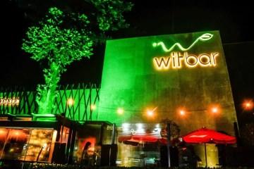 Muito humor para receber 2021 no Wit Bar