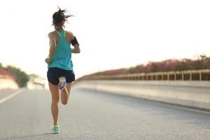 'Ar viciado' na máscara pode causar mal-estar e tontura durante prática de atividade física