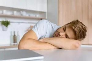 Duração e frequência dos cochilos afetam aprendizado de adolescentes, aponta estudo