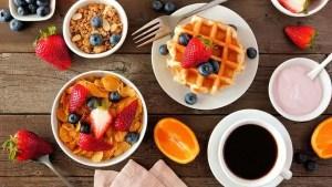 Sua mãe estava certa sobre o café da manhã ser a refeição mais importante do dia, segundo estudo