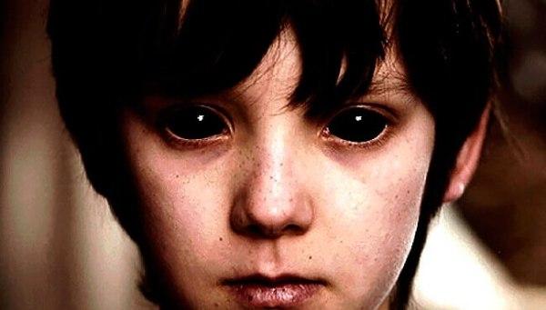Мужчина рассказал как убежал от детей с черными глазами