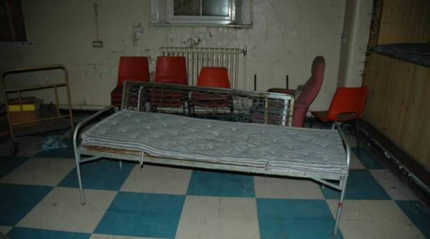 newsham-park-hospital-bed