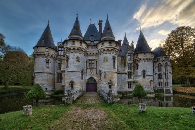Chateau de Chambord   The castle that inspired the Film Beauty and the Beast   The haunted History