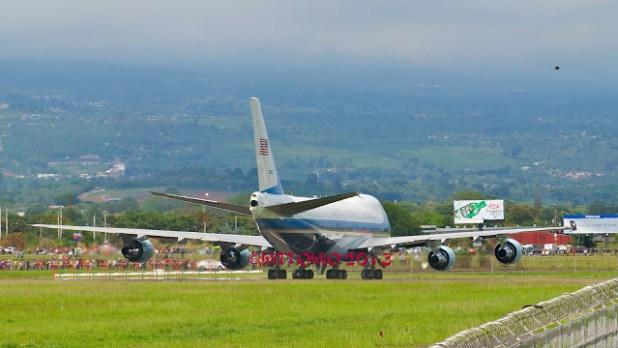 Un Ovni lors de la visite du président américain au Costa Rica