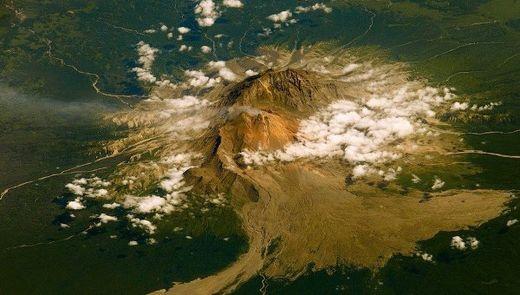 Kamtchatka: 4 volcans menacent d'entrer en éruption