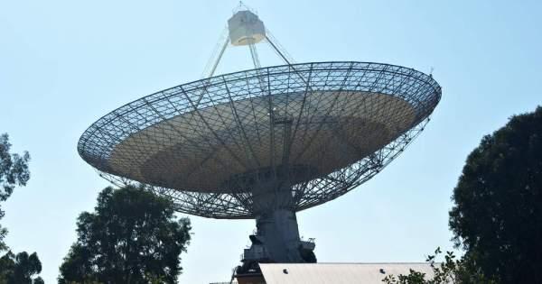 Blitzar: Un mystérieux signal radio venu de l'espace, capté en direct pour la première fois