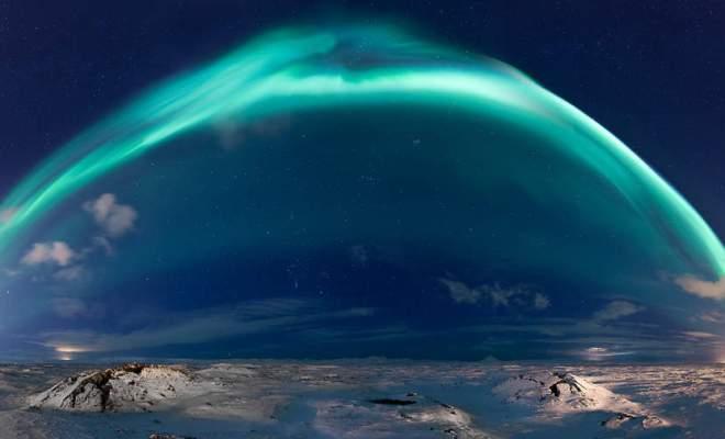 """""""Under the dome"""": voici l'une des plus belles photographies d'aurore boréale"""