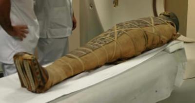 Une momie retrouvée sans son cœur mais avec son cerveau