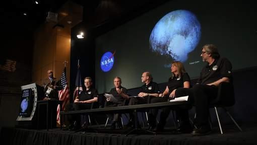 Pluton: Nouvelles découvertes parmi lesquelles de la glace en mouvement