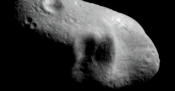 Un astéroïde avec un noyau de platine approche la Terre