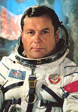 Les cosmonautes soviétiques et les OVNIS