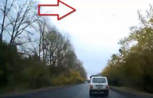 Un OVNI provoque un accident de voiture en Russie