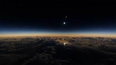 L'éclipse solaire révèle un corps planétaire massif qui se dirige droit sur la Terre