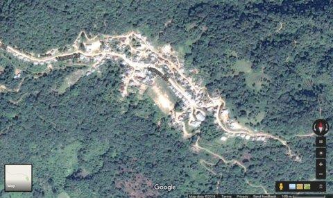 Le site et village vu de satellite (Google Earth)