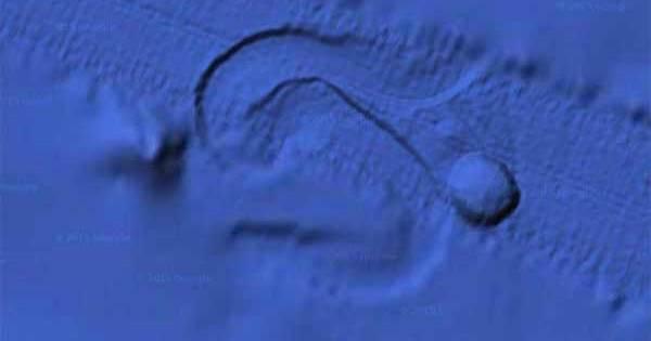 Un ovni géant se déplace en raclant le fond du Golfe de l'Alaska
