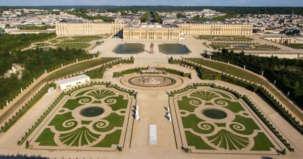 Une étrange rencontre à Versailles