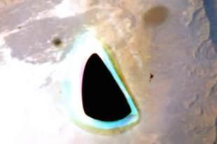 La capsule Gemini avait pris en photo un ovni noir qui survolait une montagne sur Terre