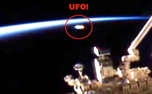 Un Ovni brillant essaye d'échapper au système de détection de l'ISS