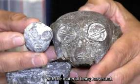 Un crâne et un corps extraterrestres exhumés dans une grotte au Pérou
